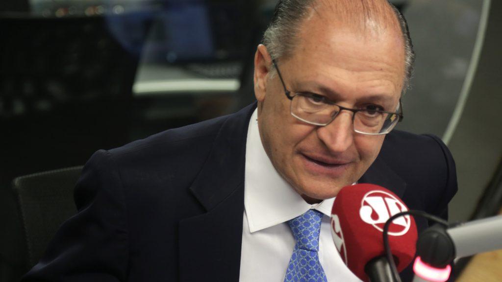 Alckmin após ataque a ônibus do PT: