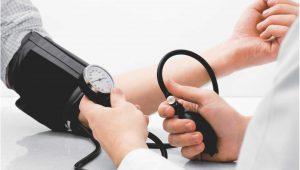 É preciso tomar cuidado no tratamento da pressão de idosos