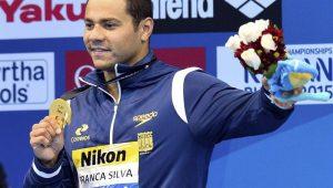 Nadadores brasileiros trocam xingamentos e ofensas, citando Xuxa, pedofilia e religião