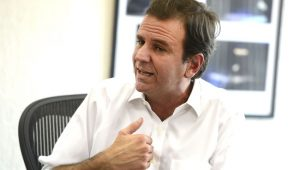 Eduardo Paes confirma ida para o DEM