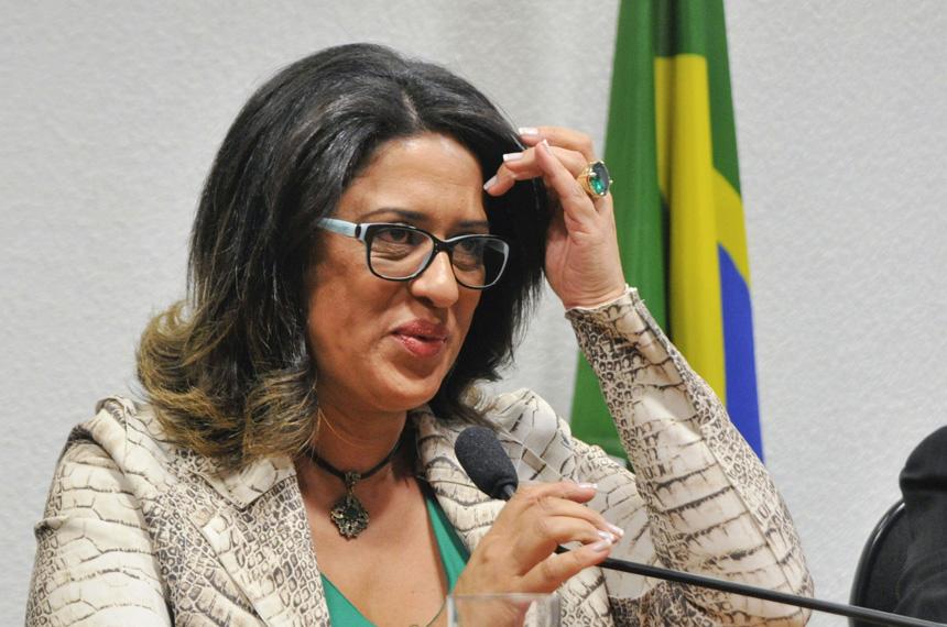 PF prende Meire Poza, contadora de Youssef, doleiro da Lava Jato