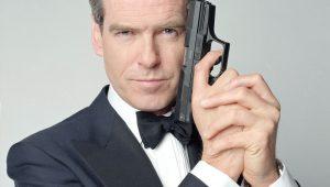 Pierce Brosnan diz que James Bond 'perdeu senso de humor' com Daniel Craig
