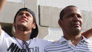 Pai de Neymar responde a Casagrande e diz que filho não é 'mimado'