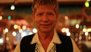 Morre, aos 67 anos, o cantor Roberto Leal