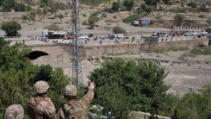 Atentado mata mais de 120 pessoas em centro militar no Afeganistão