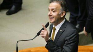 Líder do governo na Câmara diz que decisão precipitada não resolve crise