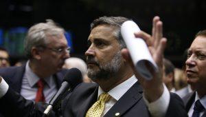 Por tentativa de soltar Lula, deputados serão investigados no Conselho de Ética