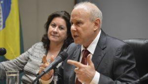 Lava Jato acusa Mantega de 'omitir propositalmente valores' na Suíça