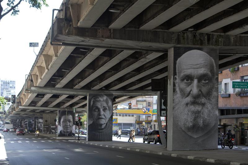 Galeria de grafites instalado nos pilares do Minhocão na altura da Rua Amaral Gurgel. Foto: CET.