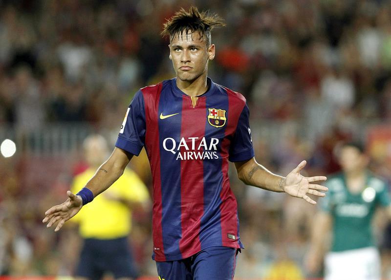 Após lesão na Copa Neymar brilha em retorno ao Barcelona 30bedf07558a9