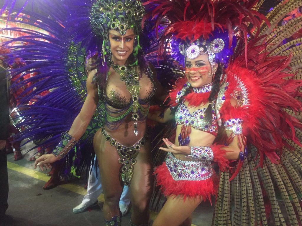 e3cc2b2bf Gracyanne Barbosa é rainha da X-9 pela terceira vez