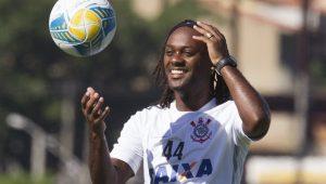 Vagner Love está acertando últimos detalhes e será 10ª reforço do Corinthians