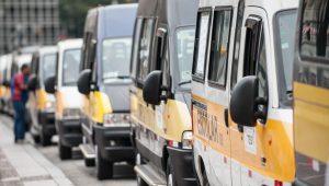 Motoristas de vans fazem paralisação e saem em direção à Câmara do Rio