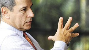 Defesa diz que Luiz Estevão está preso em condições degradantes