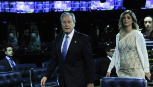 Modesto Carvalhosa protocola pedido de impeachment de Lewandowski