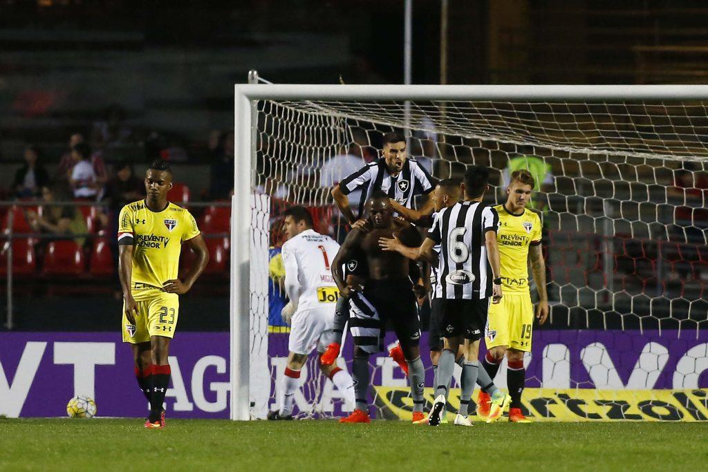 Com gol no último minuto ccc855270cca0