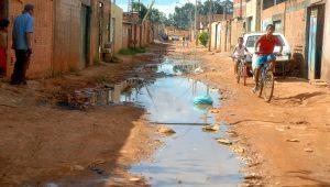 Saneamento básico não dá votos para políticos, por isso, parece não ser prioridade