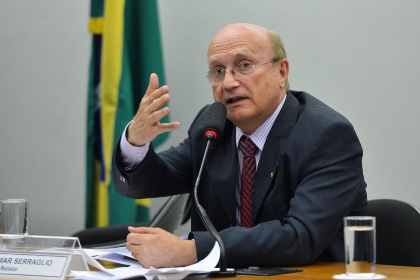 Ex-ministro da Justiça confirma que Aécio tentou interferir na Lava Jato