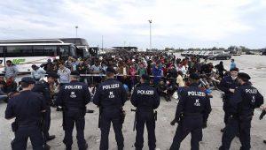 Hungria taxa com imposto de 25% ONGs que apoiam imigrantes