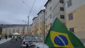 Brasileiro foge de financiamento por medo do amanhã