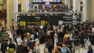 Crise dos combustíveis afeta aeroporto de Congonhas