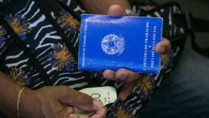 Mais de 3 milhões de brasileiros procuram emprego há pelo menos 3 anos, diz Ipea