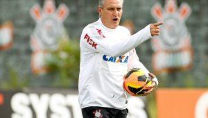 Em situação financeira delicada, Corinthians ainda deve até para o técnico Tite