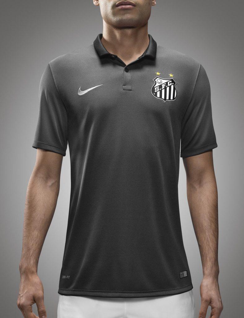 Três novas camisas do Santos são lançadas  veja fotos 9400a789360c0