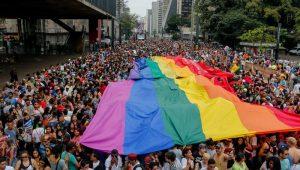 Quatro em cada 10 paulistanos são contra beijos entre LGBTs em público