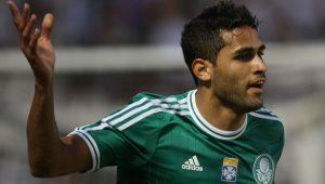 Alan Kardec relembra gol marcado pelo Palmeiras nas redes sociais e divide torcedores