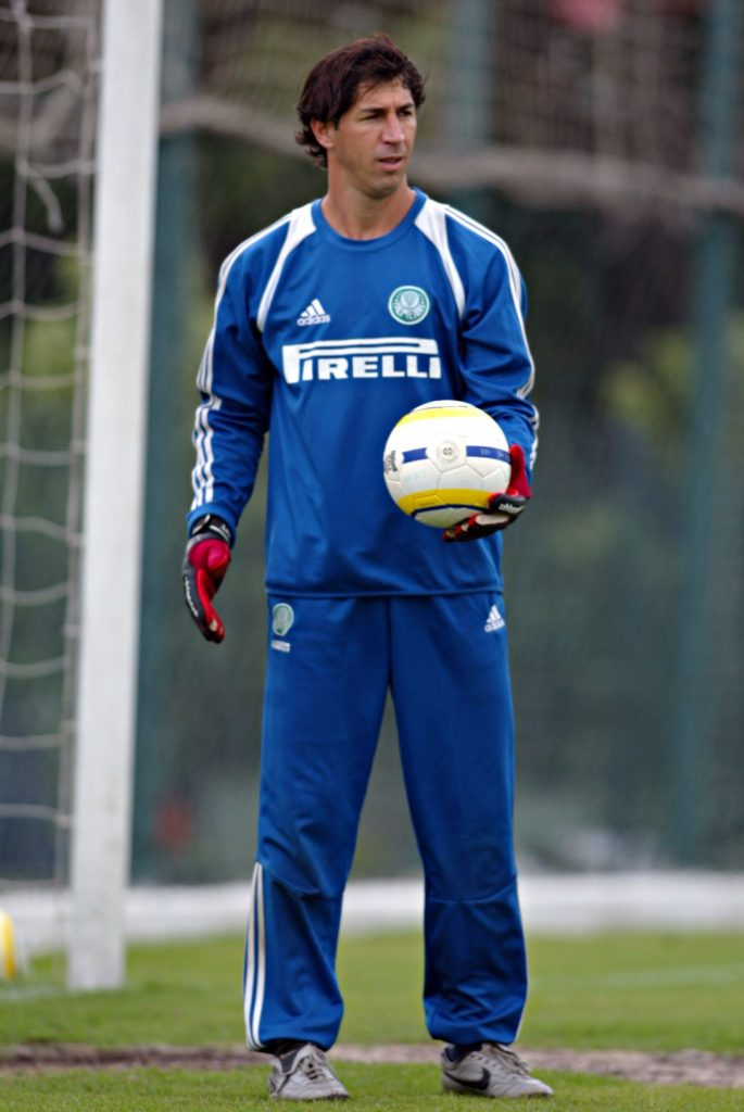 ... Sérgio com a camisa do Palmeiras em 2006. Goleiro participou de grandes  momentos da história do clube d1cb2453c5067