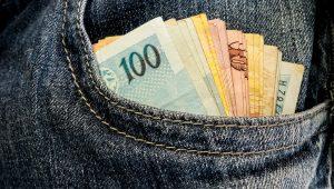 Greve dos caminhoneiros e mercado financeiro fizeram governo derrubar previsão do PIB