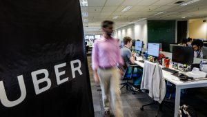Estado da Califórnia assina lei que força Uber a contratar seus motoristas