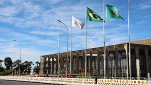 Diplomata acusado de agredir mais uma namorada é demitido pelo Itamaraty