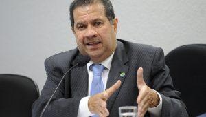 Presidente do PDT espera que deputados suspensos 'voltem atrás' na segunda votação da Previdência