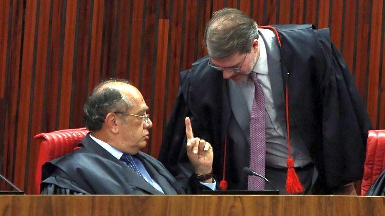 Gilmar: atos antecipados de campanha de Lula e Bolsonaro podem levar à condenação