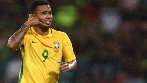 Antes da Copa, Gabriel Jesus volta ao Jardim Peri e fica orgulhoso com homenagem