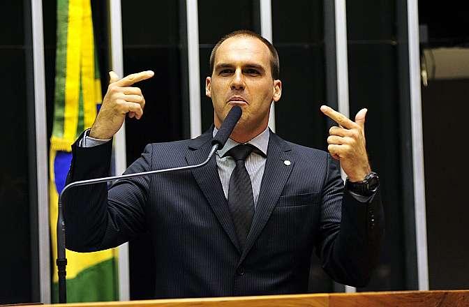 Resultado de imagem para deputado eduardo bolsonaro