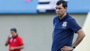 Pelo WhatsApp, Corinthians confirma retorno do técnico Fábio Carille