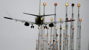Gol anuncia compra de mais 15 jatos da Boeing e ações sobem 11,60%