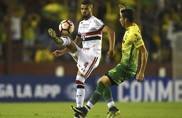 São Paulo vence Rosario e avança na Sul-Americana