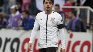 Fagner admite que tropeços no Brasileirão fizeram Corinthians ficar mais focado na Copa do Brasil