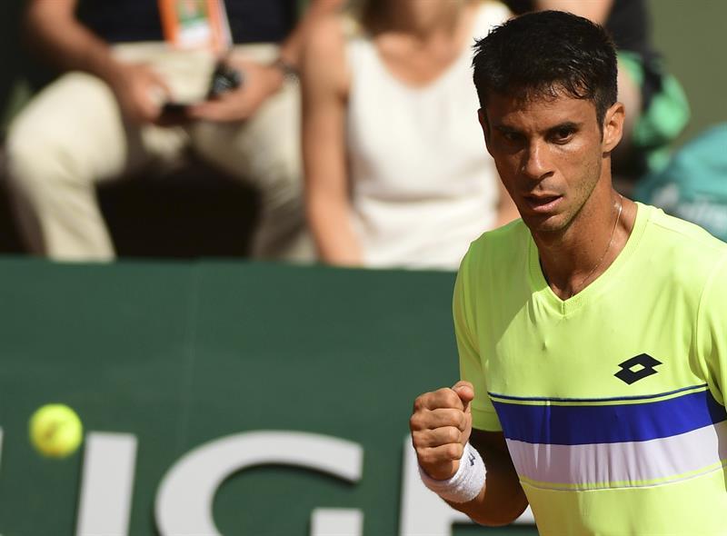 f57f1de1c64 Rogério foi eliminado na 2ª rodada no torneio de simples e nas quartas como  duplista