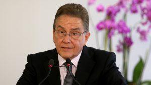 Presidente do BNDES nega que banco vá vender sua participação na JBS