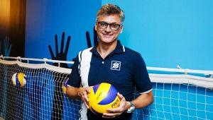 Renan convoca mais quatro jogadores para seleção de vôlei