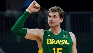 Aos 33 anos, Tiago Splitter anuncia aposentadoria do basquete graças a lesão
