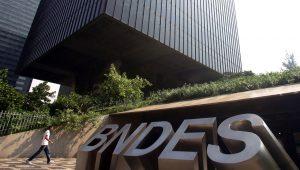 Funcionários do BNDES e ex-presidentes se unem em defesa do FAT