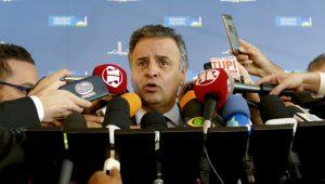 Marco Antonio Villa: Que vergonha para seu avô, Aécio Neves!