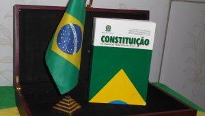 Villa: Não há democracia sem Constituição