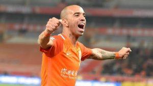 Diego Tardelli garante que quer ficar na China e agradece interesse do Corinthians